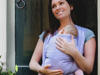 Baby sling Purple size 6 or 7