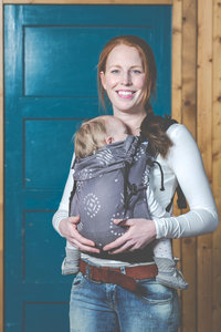 b6a749c28826 Ergonomic baby carrier - fully adjustable
